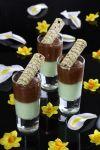 מוס שוקולד עם קרם פיסטוק